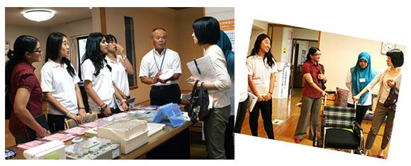 マレーシア国民大学の理学療法・作業療法学科学生が福祉機器展示館を見学している様子